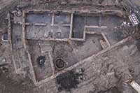 Dokumentation von Grundmauern bei archäologischer Grabung