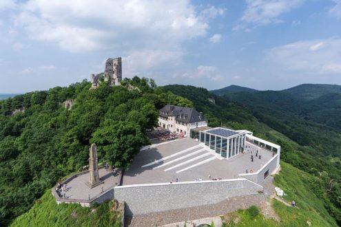 Luftbild Drachenfels im Siebengebirge für Tourismus