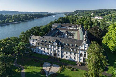 Schloss Nonnenwerth in Rolandsbogen am Rhein