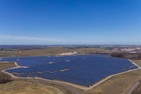 Panorama von Solarpark, Photovoltaik für Marketing