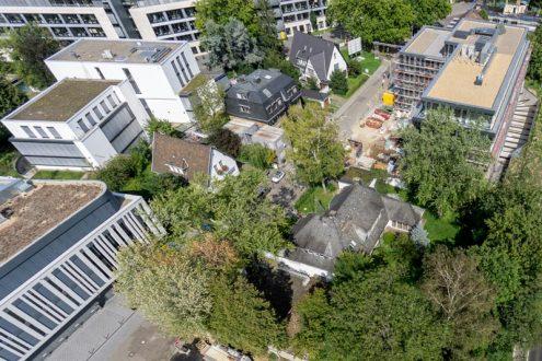 Luftbild von Villa und Nachbarschaft in Bonn