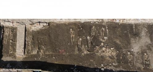 Grabung und Archäologie des Römisch-Germanisches Museum am Rheinufer in Köln. Vorbereitung der Panoramatreppe in Deutz