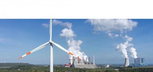 Windkraft und Braunkohle Energiegewinnung mit fossiler und alternativer Energie im Rheinland