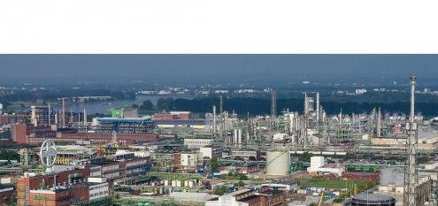 Chemische Industrie, Bayer Chempark, großer Industriestandort Dormagen in NRW