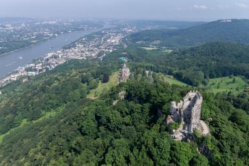 Panaorama von Drachenfels und Rhein für Tourismus