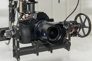 Fotokamera an Drohne mit Gimbal, Kameraaufhängung