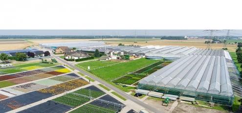 Luftbild einer Großgärtnerei im Rheinland, NRW