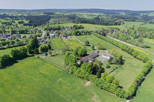 Luftbild für Immonilienmakler zum Verkauf eines Anwesens