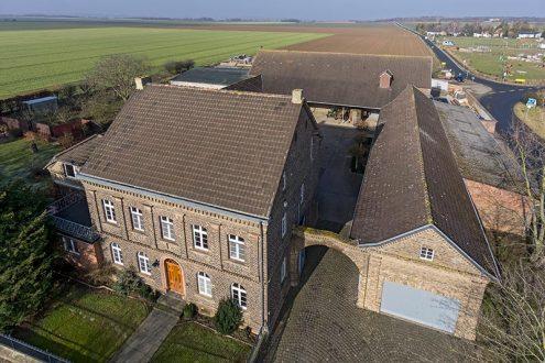Luftbild von Bauernhof im Rheinland, Nordrhein-Westfalen