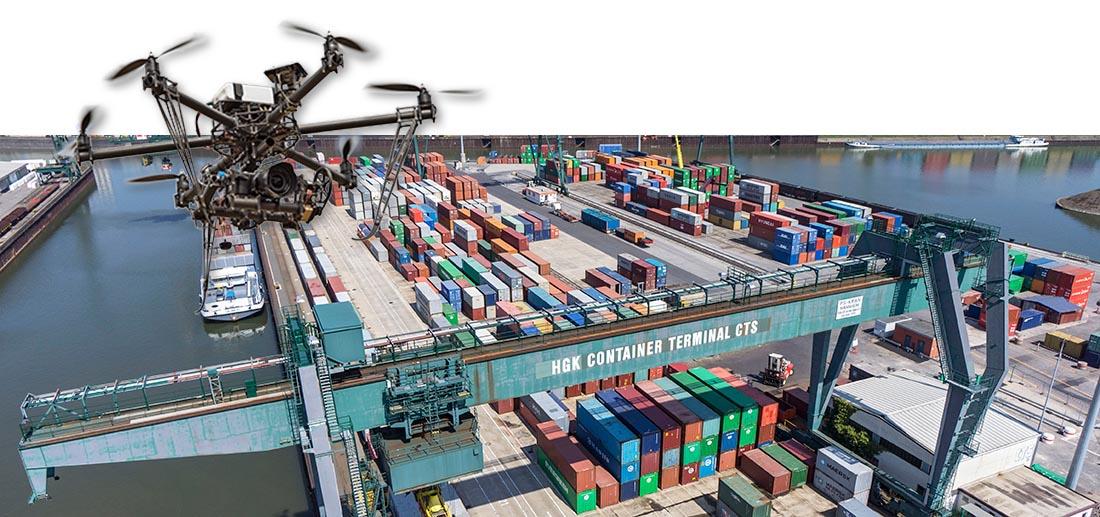 Industriehafen Köln Niehl mit Containern, eine Firma der RheinCargo