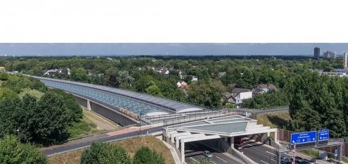Luftbild von Schallschutztunnel in Köln Lövenich über die Autobahn A1