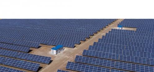 Luftbild von Solarpark in Ronneburg, Thüringen. Eigentümer ist die STAWAG Aachen