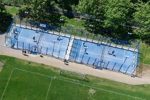 Luftbild von Tennisplatz, Unisport Köln