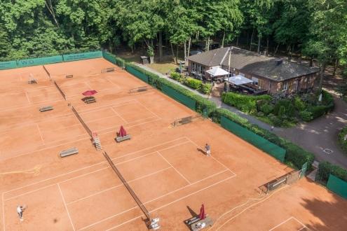 Luftaufnahmen von Tennisplätzen Tennisverein