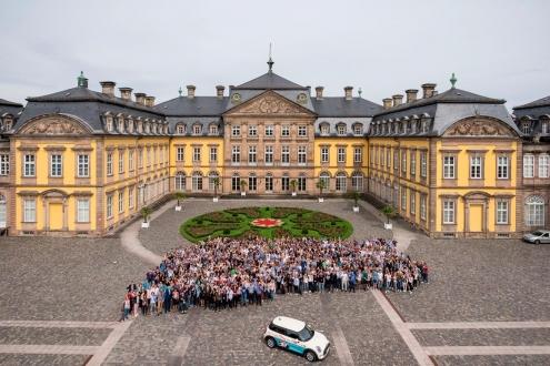 Gruppenfoto von Konferenzteilnehmern