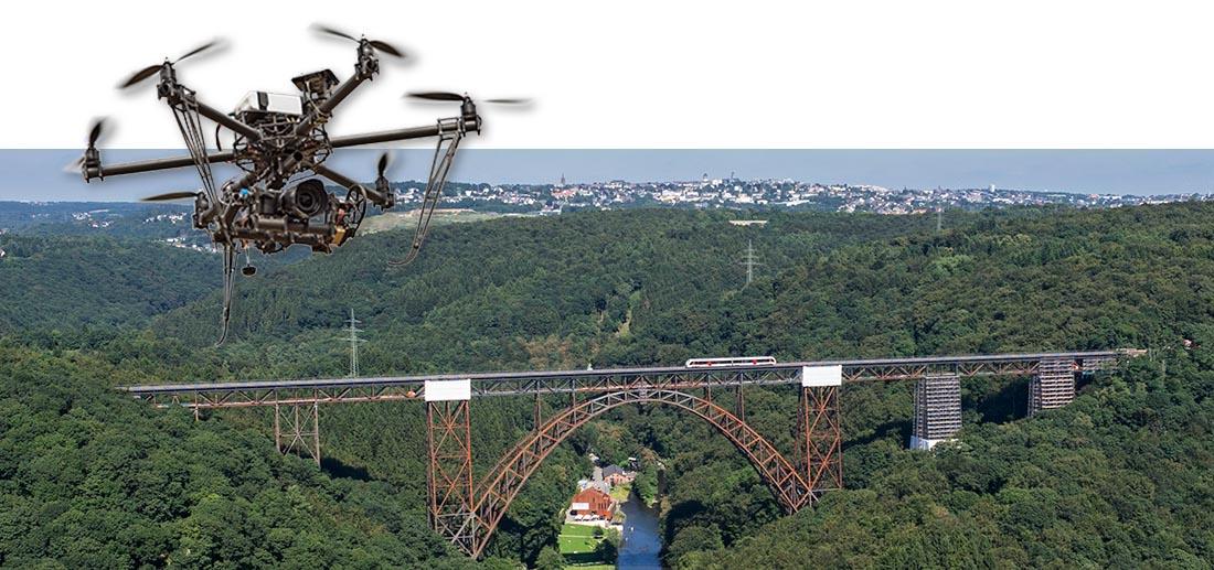 Müngstener Brücke über die Wupper in NRW. Die höchste Eisenbahnbrücke in Deutschland